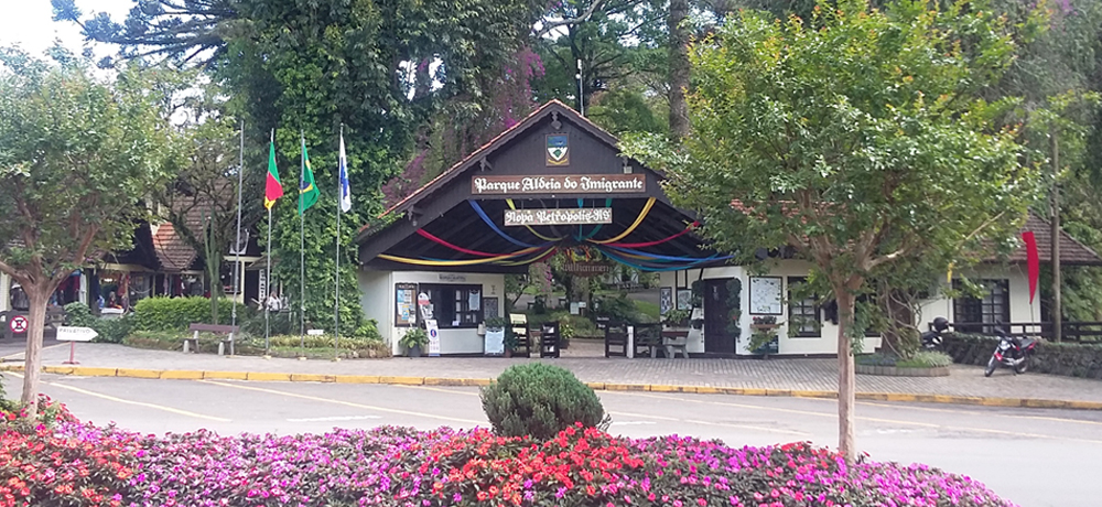 Parque Aldeia do Imigrante na Serra Gaúcha em Nova Petrópolis / Condomínio Blumen Haus