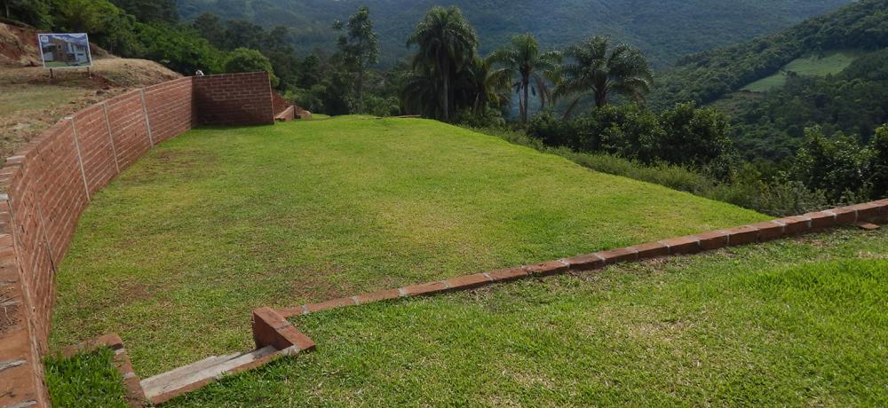 Quadra Esportiva e PlayGround do Condomínio Blumen Haus em Nova Petrópolis / Serra Gaúcha